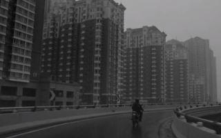 《搭秋千的人》预告片