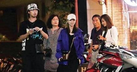 陈柏霖带女友回家吃饭 女方系台湾女团成员 两人交往七年