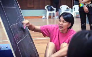 演员训练视频,于朦胧苗苗提前进组体验排球的训练