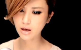 尚雯婕献唱《唐山大地震》主题曲《23秒32年》