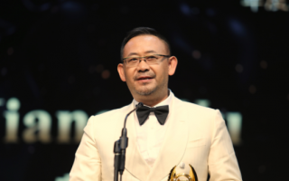 中美电影节洛杉矶颁奖 李冰冰周润发姜武获奖