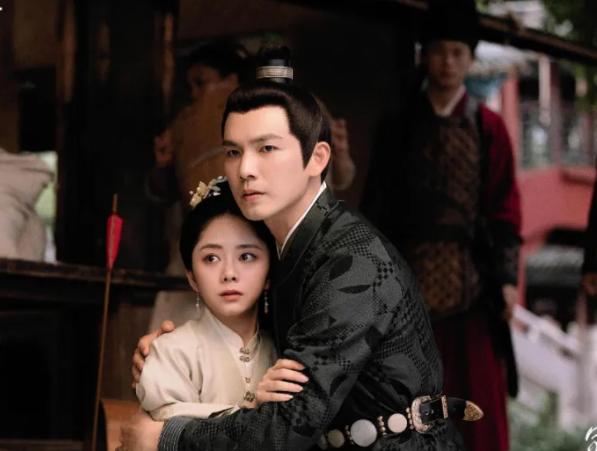同是《甄嬛传》配角,谭松韵在《锦心似玉》当女主,她在剧中作配