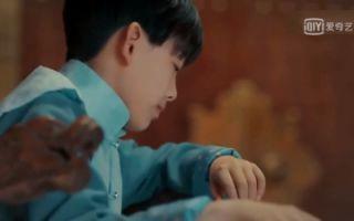 张启山第一次跟张起灵对话,可小哥却没有搭理他,超尴尬