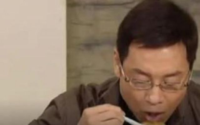 谁家灶头无烟火:钟国栋吃到美食赞不绝口,发现没过敏喜出望外