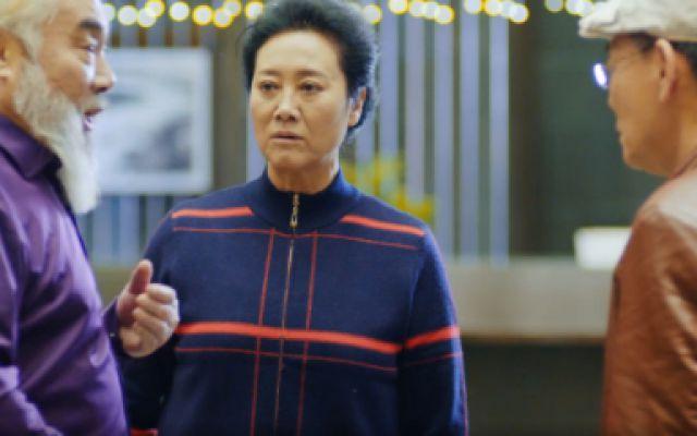 王丽云与男性朋友跳舞,被老伴误会,一番解释过后怕是越描越黑
