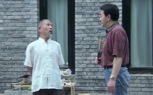 俩老头子搞笑斗嘴,胡子老汉说真相惹得另一位怒气横生